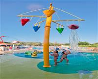 Jeux d'eau - camping international - ©