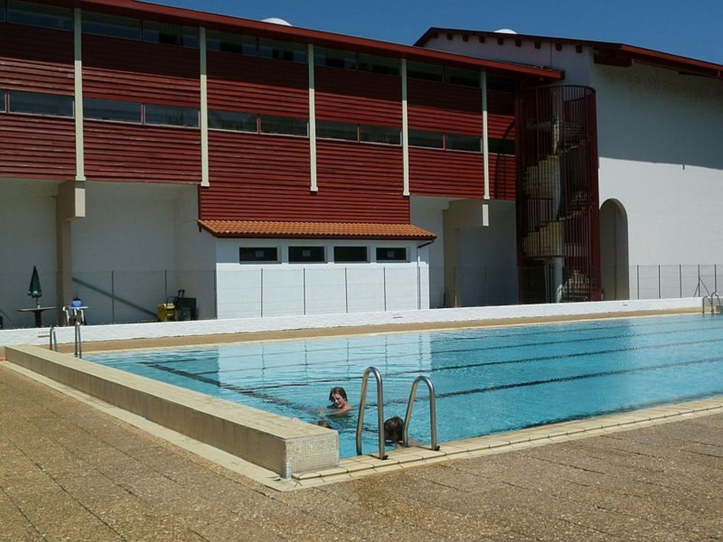 Piscine complexe sportif de baigorry saint tienne de - Amenagement piscine design saint etienne ...