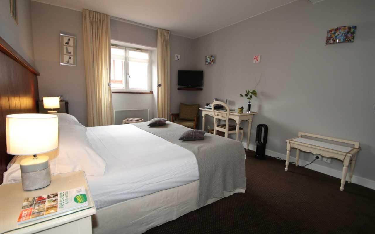 Hôtel les almadies à saint jean de luz 64 hébergements