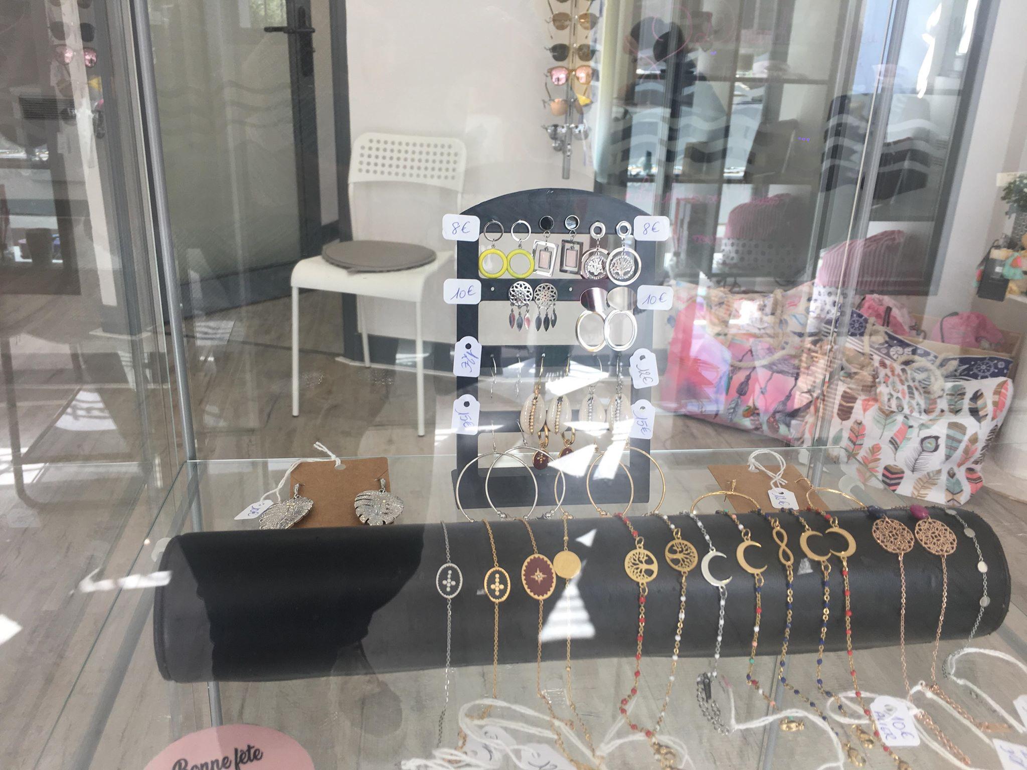modadom-hendaye-8 bijoux fantaisie accessoires sacs